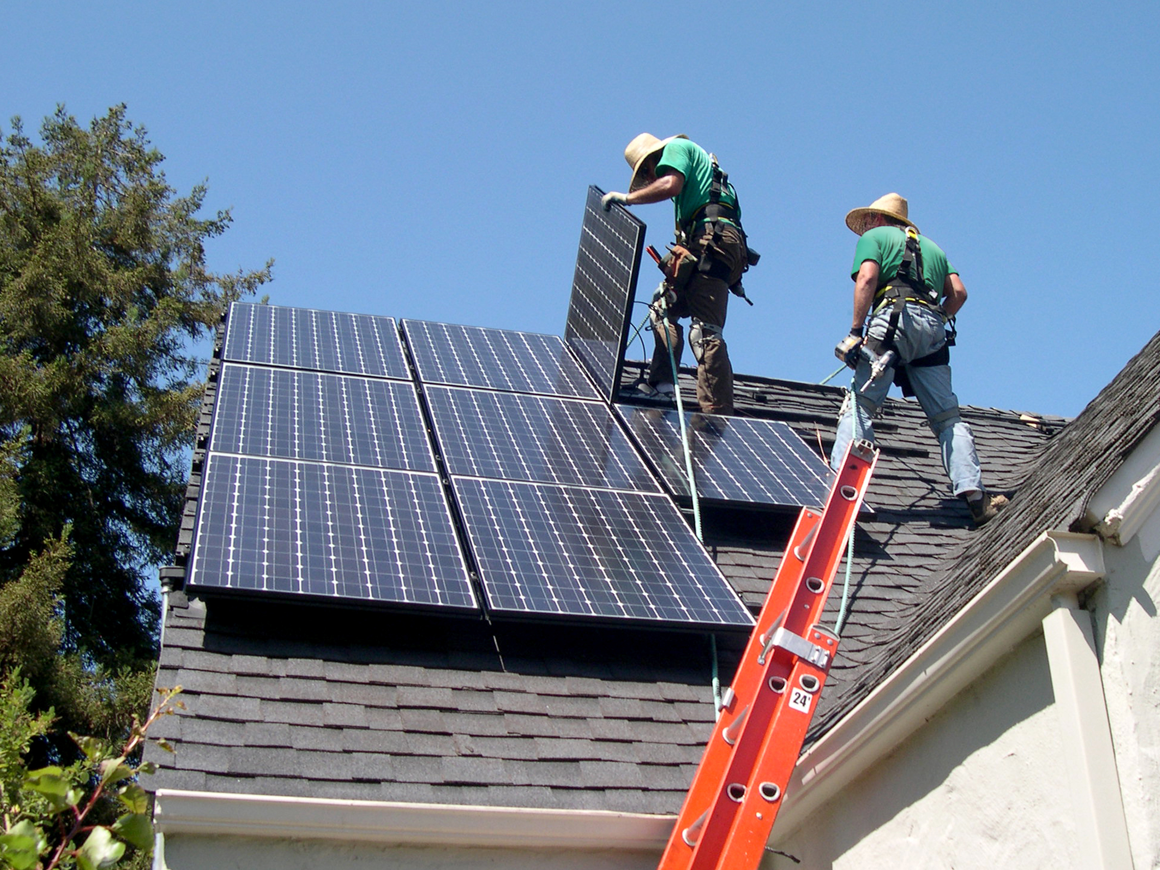 SolarCity buys East Coast's biggest home solar installer